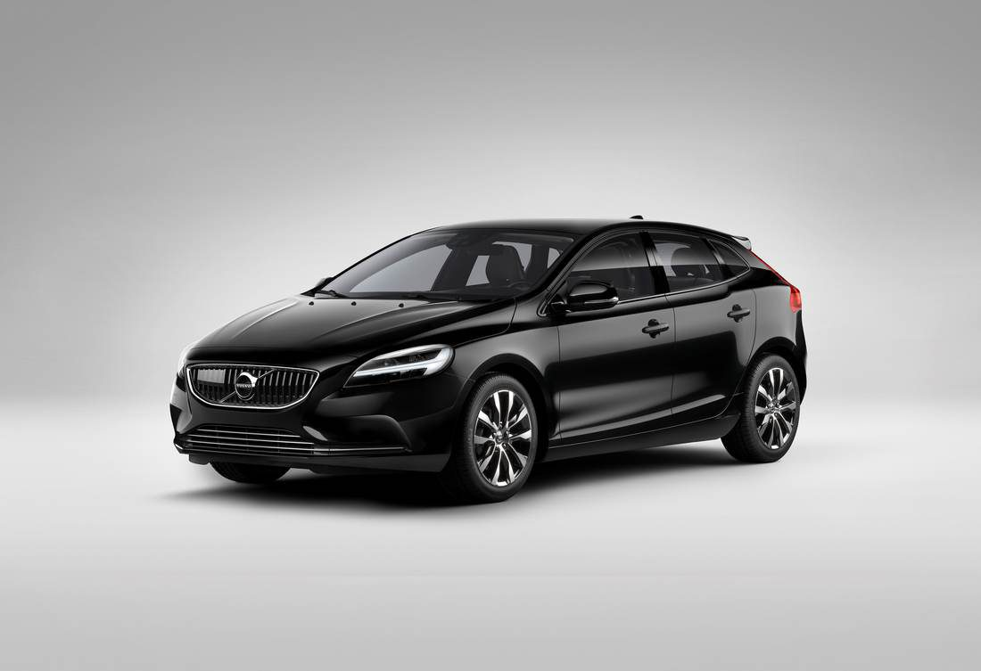 Volvo V40 Black & White